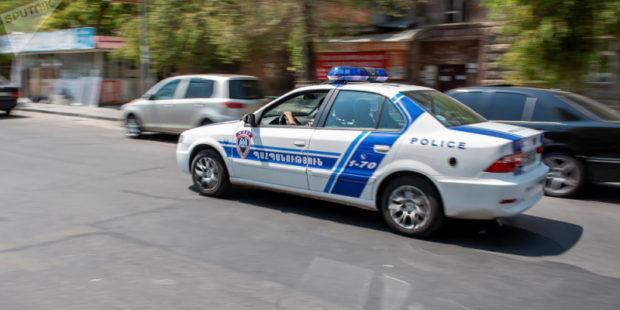 В Ереване обнаружено тело 40-летней женщины, рядом — наградной пистолет. СМИ