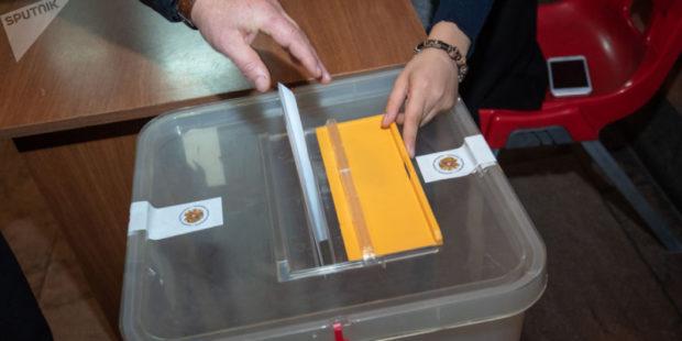 Внеочередные парламентские выборы в Армении не станут панацеей - Армен Саркисян