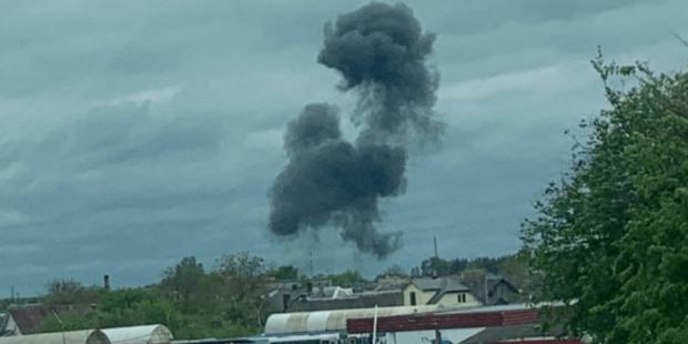 """В белорусских Барановичах самолет """"Як-130"""" рухнул возле дома: названы имена погибших пилотов"""