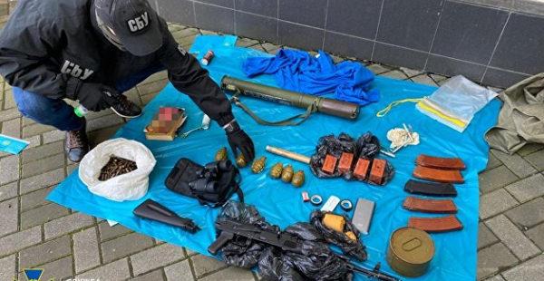 В центре Киева арсенал оружия спрятали в дренажной системе
