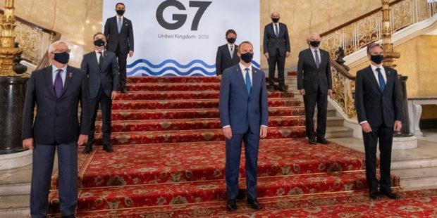 """G7 потребовала от России """"внятного ответа"""" о маневрах войск вблизи Украины"""