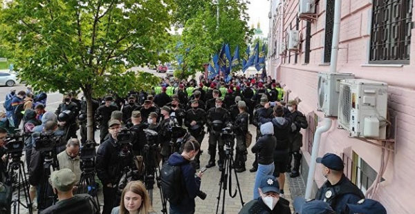Брат «зиговавшего» в Киеве активиста пригрозил журналистам