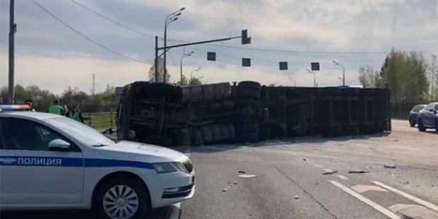 Под Смоленском 13 человек пострадали в ДТП с микроавтобусом