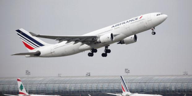 Airfrance отменила рейс Париж - Москва из-за отсутствия разрешения на заход в пространство РФ