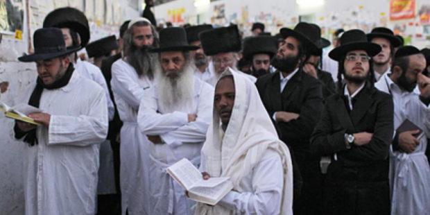 В Израиле обрушилась трибуна синагоги с десятками верующих