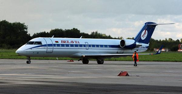 Львовский аэропорт назвал сумму убытков из-за отмены рейсов в Белоруссию
