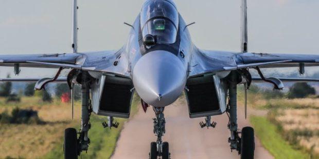 В Крыму у истребителя Су-30СМ с экипажем сработало катапультирование