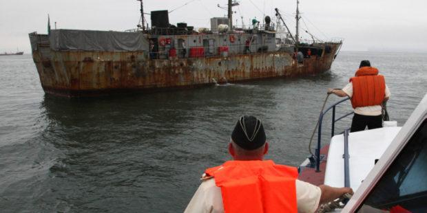 Японские рыбаки назвали задержание своего судна пограничниками РФ незаконным