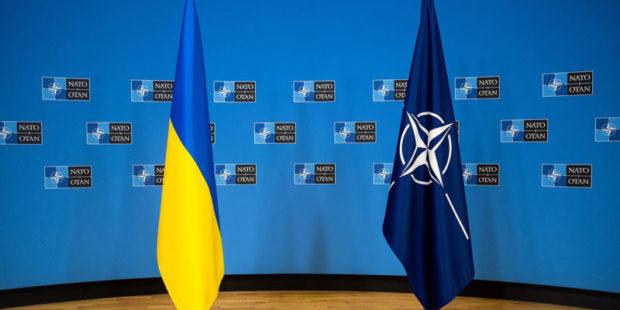 У Байдена передумали поддерживать вступление Украины в НАТО и вырезали часть стенограммы