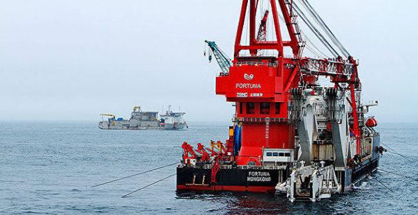 Российское судно возобновило достройку «Северного потока 2» в водах ФРГ