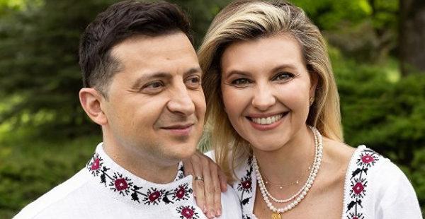 Модный приговор: пока президент Украины давал пресс-конференцию, его обвинили в госизмене за «неправильную» вышиванку