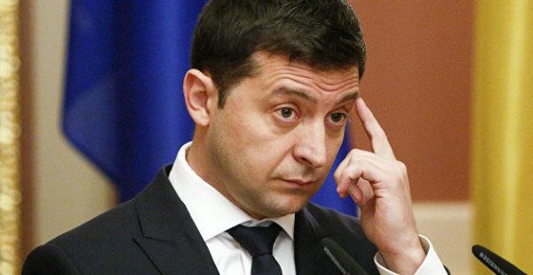 Партия Порошенко призвала выселить Зеленского из президентской резиденции