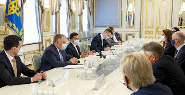 Зеленский обсудил Донбасс с главами МИД стран Бенилюкса