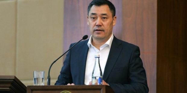 Жапаров озвучил требование к военным на фоне угрозы целостности Киргизии