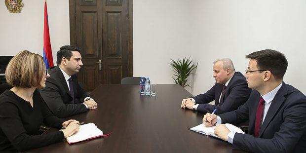 Ален Симонян обсудил с Сергеем Копыркиным ситуацию в Армении и Карабахе