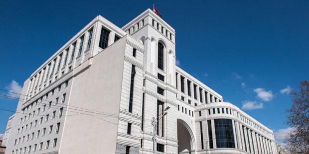 Ара Айвазян: Об официальном разделении границы с Азербайджаном речи пока не идет