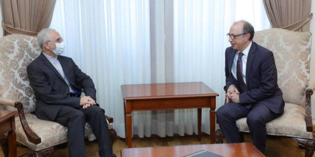Ара Айвазян обсудил с иранским послом региональные проблемы