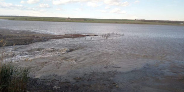 В селе на Ставрополье прорвало дамбу пруда