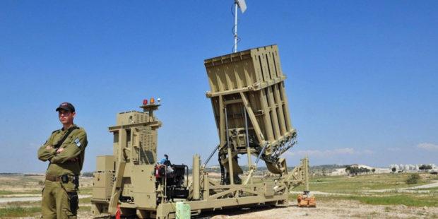 """Израильский """"Железный купол"""" сокрушил беспилотник ХАМАСа, атаковавший химзавод"""