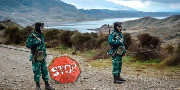 Армения анонсировала отвод войск Азербайджана с территории Черного озера