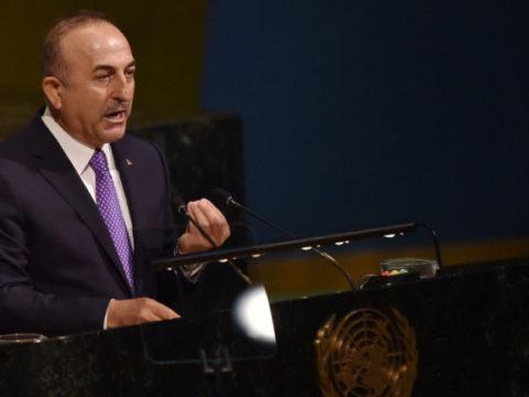"""Чавушоглу призвал """"защитить палестинцев"""" и отправить в регион """"международные силы"""""""