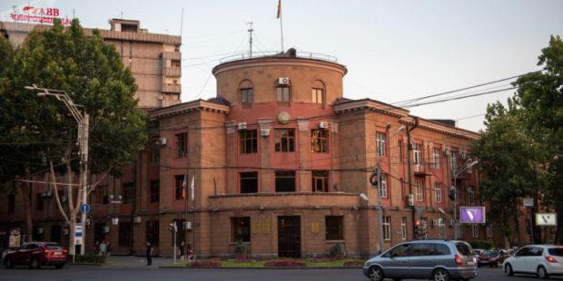 Драка в ереванской префектуре Кентрон: глава одного из отделов госпитализирован - СМИ