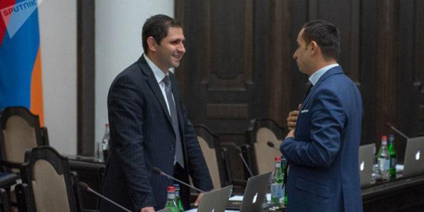 Два министра и губернатор ушли в отпуск на период предвыборной кампании в Армении