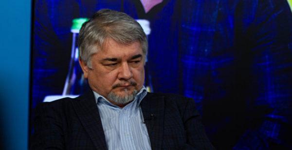 Ищенко описал, что начнется, если в России заблокируют Facebook и YouTube