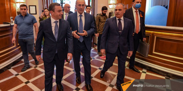 Обнародованы имена первой двадцатки кандидатов в депутаты от блока Кочаряна