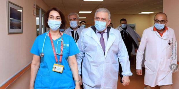 Раненного в Карабахе солдата-срочника отправят на лечение в Германию