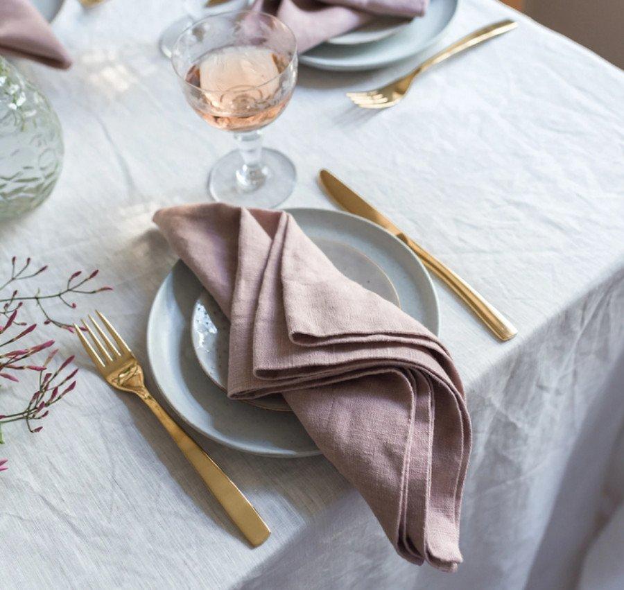 Как выбрать салфетки для сервировки стола?