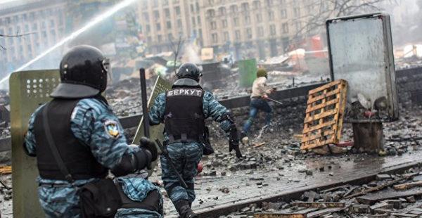 Отчаяшиеся предприниматели штурмуют офис Зеленского, против них применили газ