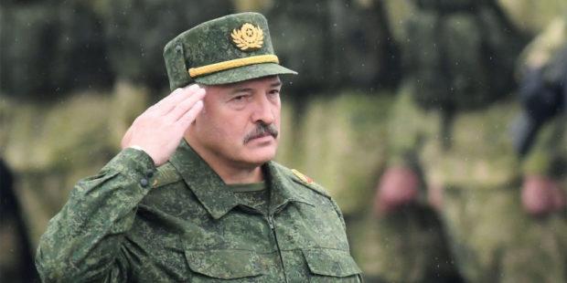 Лукашенко не исключает введение военного положения в ответ на санкции Запада