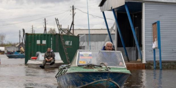 Затопленным чукотским селам помогли с Большой земли