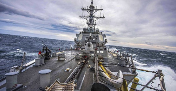 ВМС США опровергли информацию о следовании эсминца в сторону Крыма