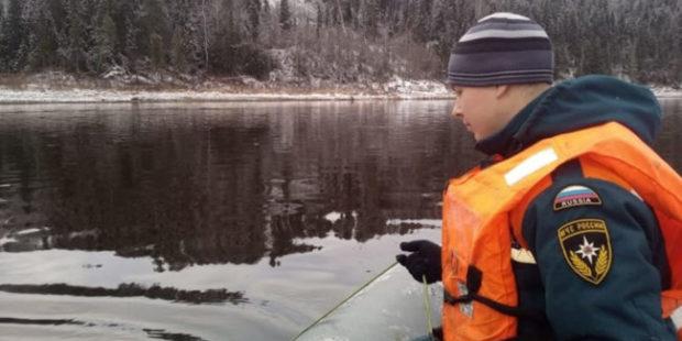 В реке Сухоне нашли возможного погибшего при крушении вертолета Robinson