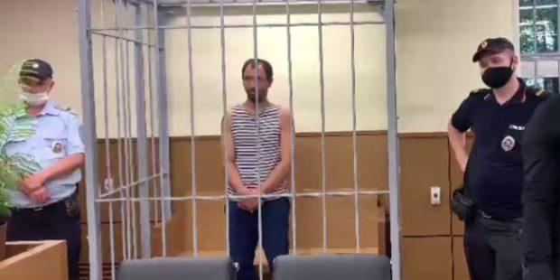 В СИЗО отправлен мужчина, угнавший в центре Москвы автомобиль ДПС