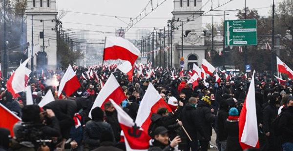 «На самом деле нами правят». Польский эксперт о том, зачем Варшава нагнетает антинемецкую истерию