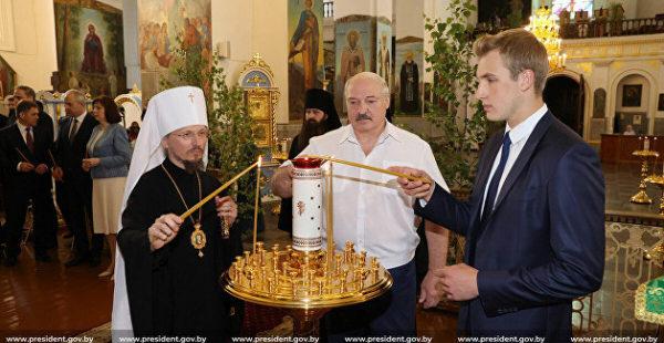 Лукашенко заявил о попытках создать в Белоруссии местную ПЦУ