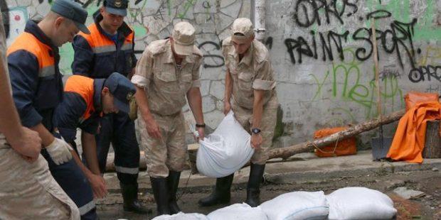 Власти Крыма начали подсчитывать ущерб от ливней