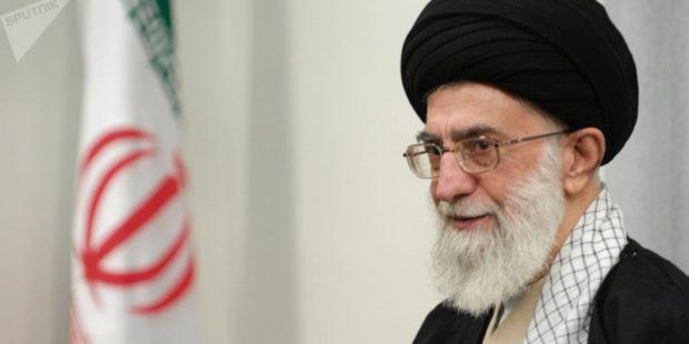 Аятолла Хаменеи объявил амнистию в Иране
