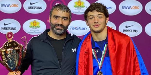 Армения заняла второе место в командном зачете чемпионата Европы по вольной борьбе