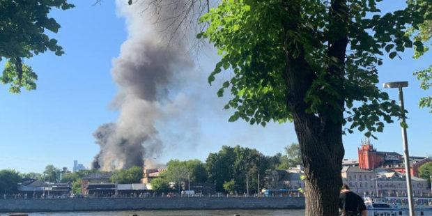 В центре Москвы произошла серия взрывов