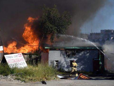 Число пострадавших при пожаре на новосибирской АЗС выросло до 33