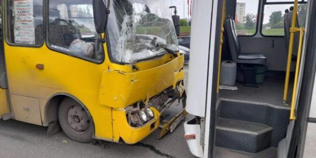 В Иванове при столкновении двух автобусов пострадало восемь человек