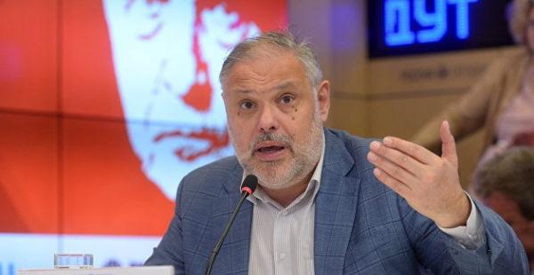 «Придется отдать, но пакостить будут долго»: Хазин объяснил, почему Запад содержит Украину