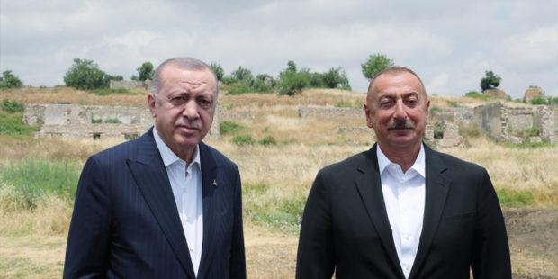 Анкара намерена развернуть военные базы в Азербайджане