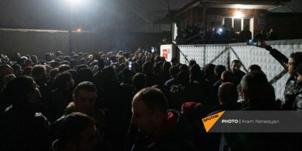 Никол Пашинян опубликовал полный список вернувшихся из плена военнослужащих