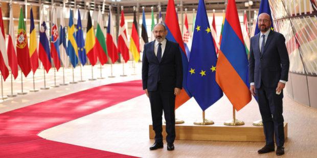 Пашинян представил главе Европейского совета ситуацию на армяно-азербайджанской границе