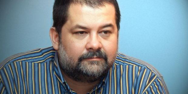 Писатель Сергей Лукьяненко раскритиковал противников прививок против коронавируса